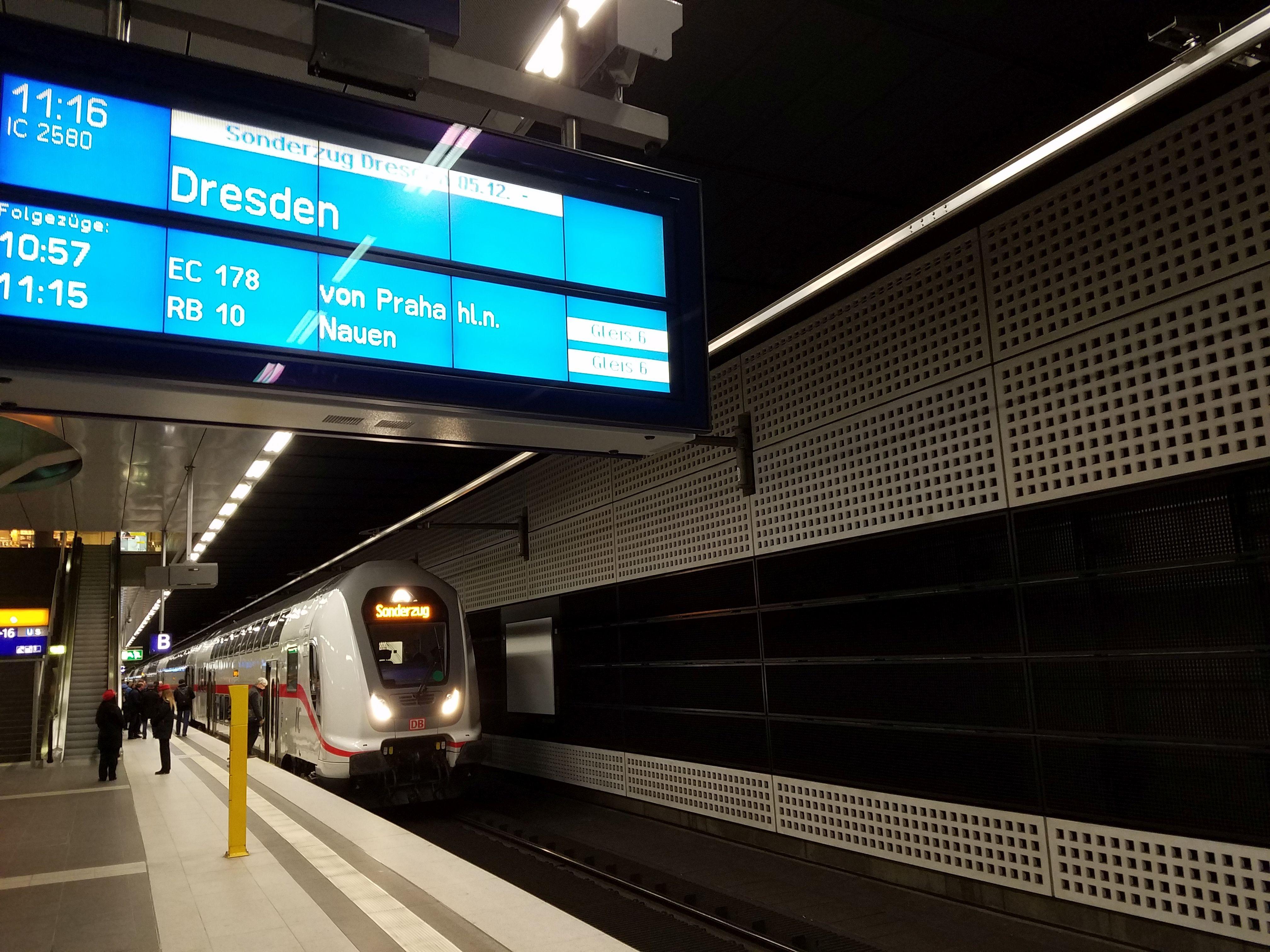 Zug Berlin Dresden