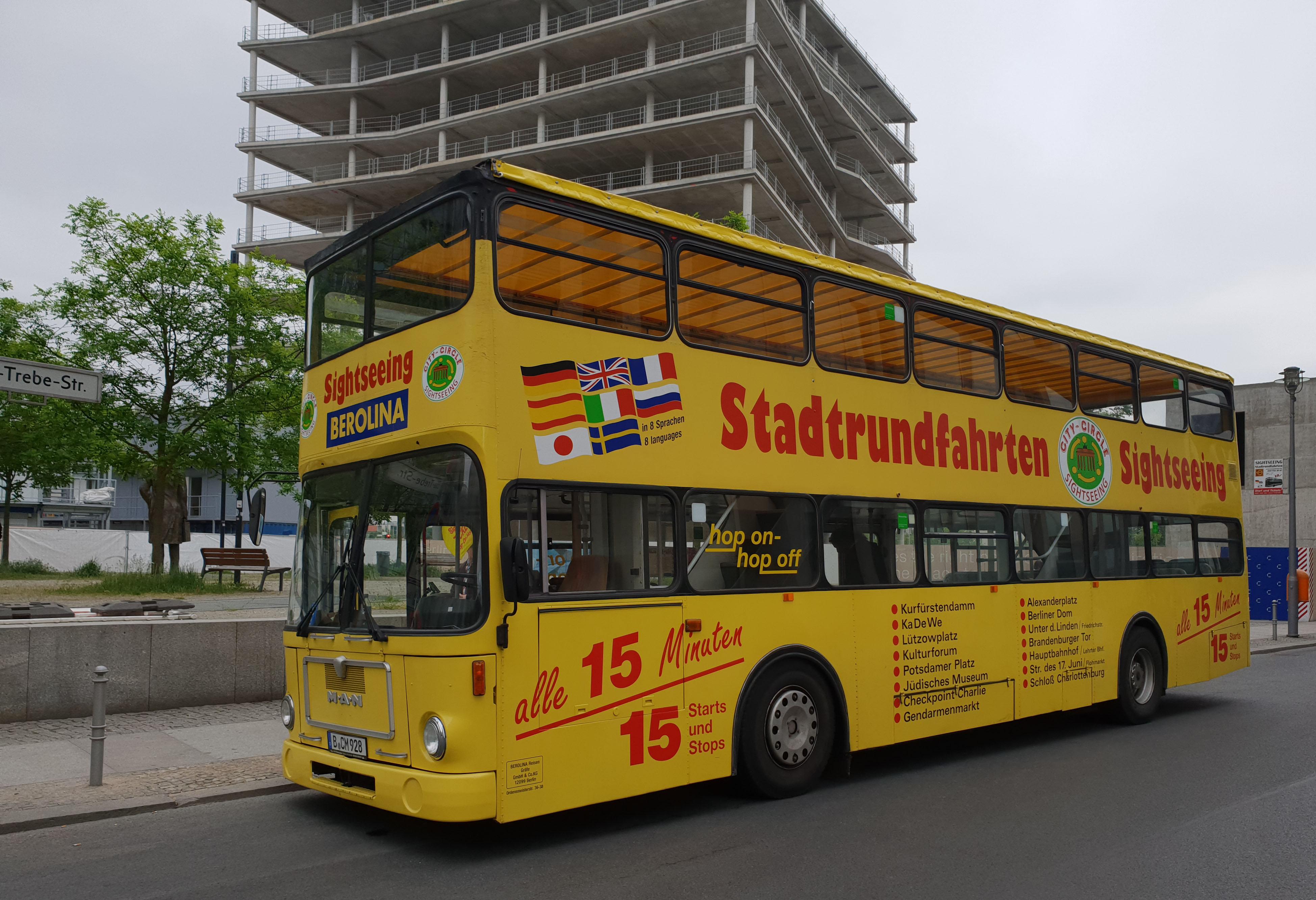 Foto: Bus 1793, Typ SD81, Stadtrundfahrtbus B CM 928, Berlin, Mai 2018