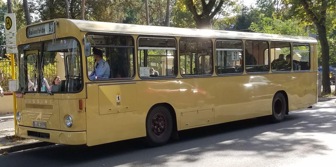 Foto: Bus 1957, Typ Bü E2H 71, Berlin Hakenfelde, Oktober 2017