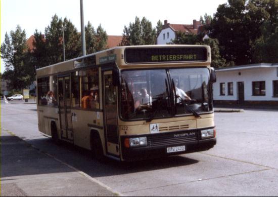 Bus 2422, Bf. Schöneweide, 2002;