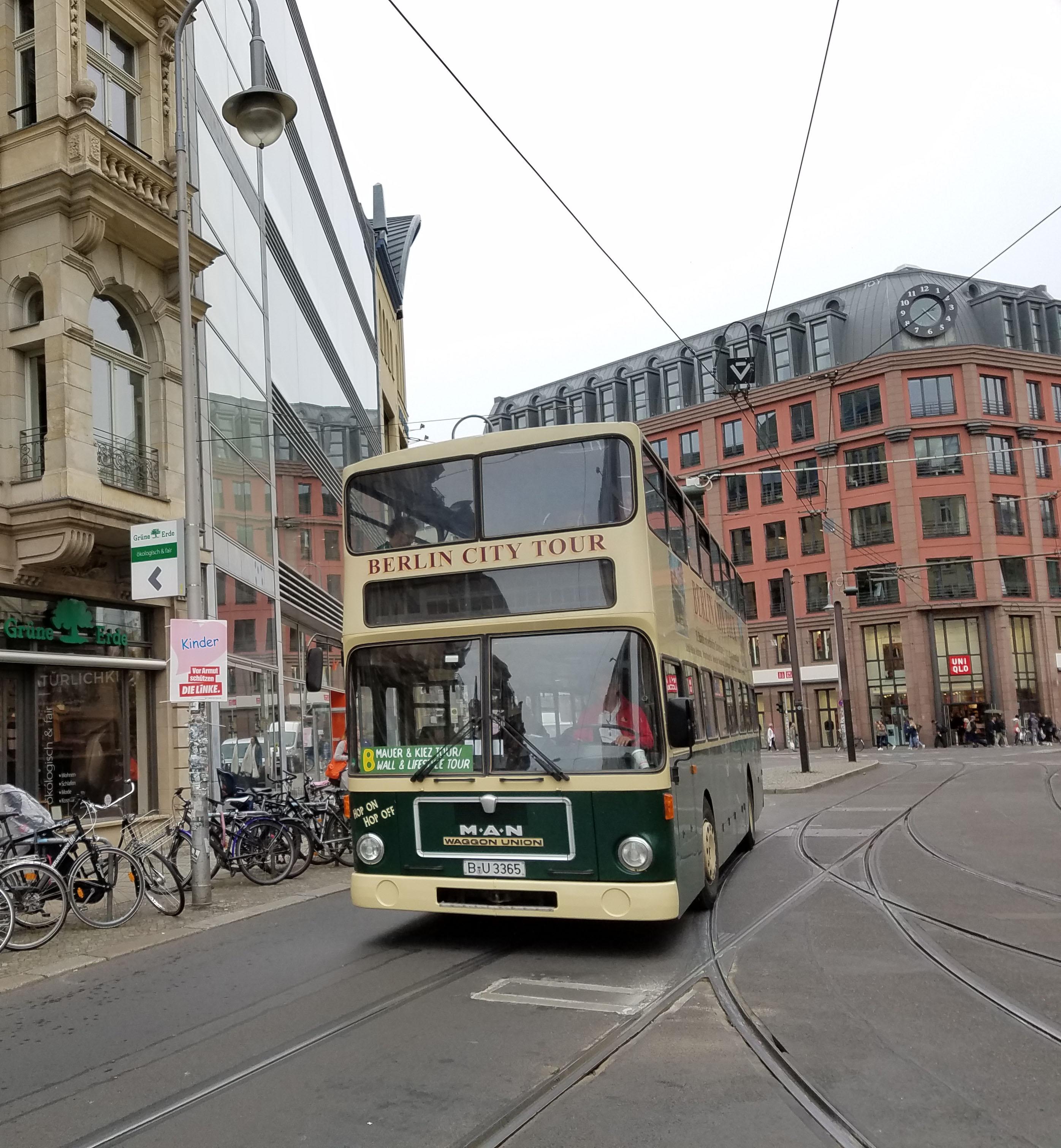 Foto: Bus 3365, Typ SD84, Stadtrundfahrtbus B U 3365, Berlin, September 2017