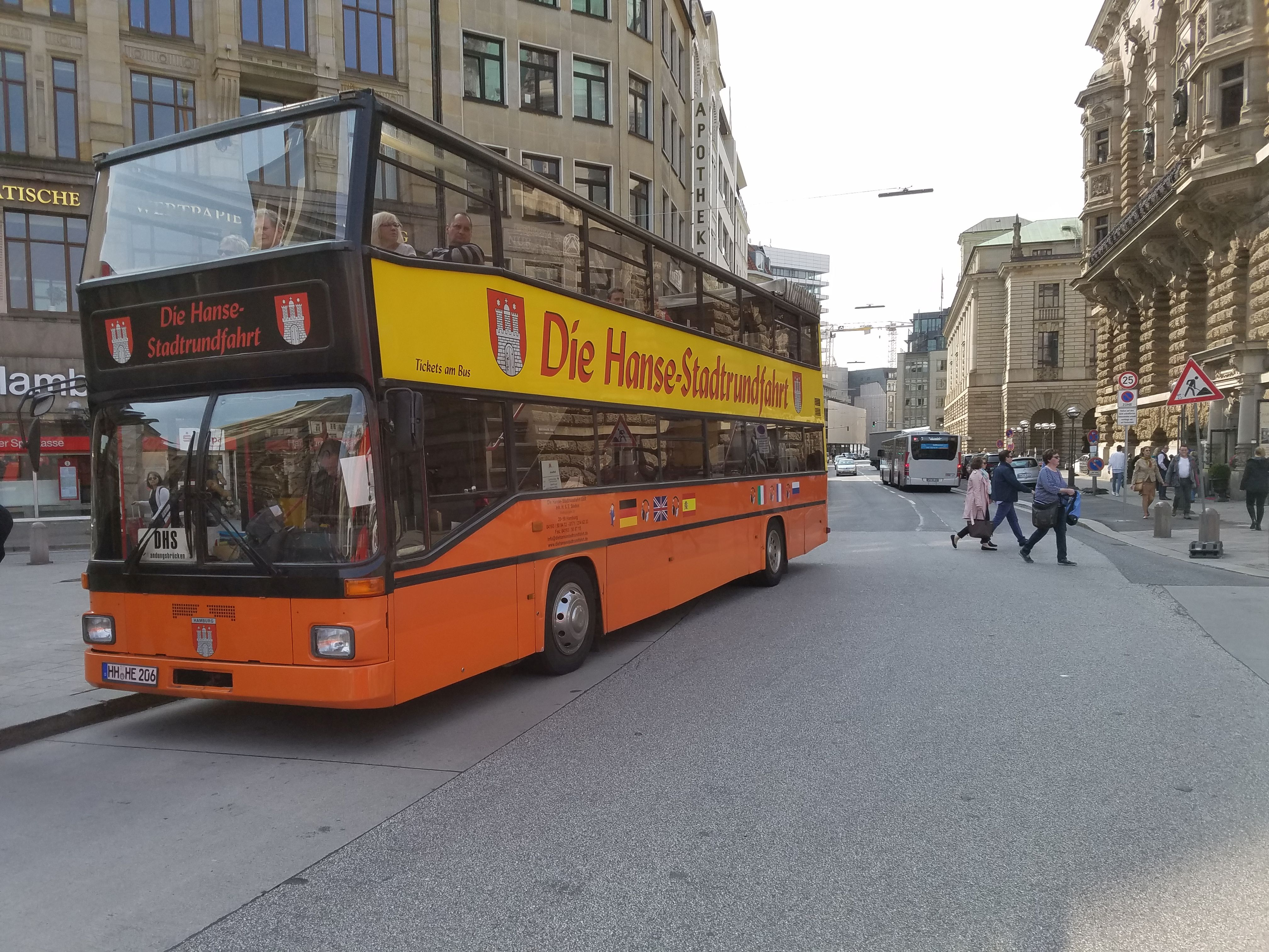 Foto: Bus 3899, Typ D91, Stadtrundfahrtbus HH HE 206, Hamburg, März 2017