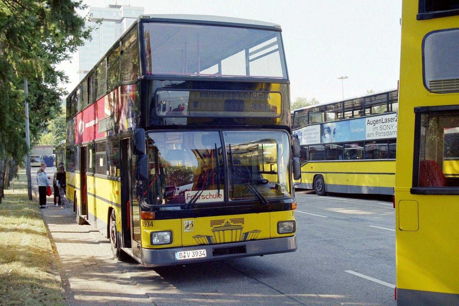 Bus 3934, Hof Cicerostraße, 2005