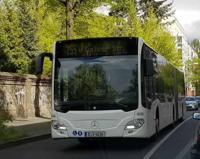 Foto: Bus 4036, Gelenkbus Typ Citaro GN C2 , Weißensee, April 2017