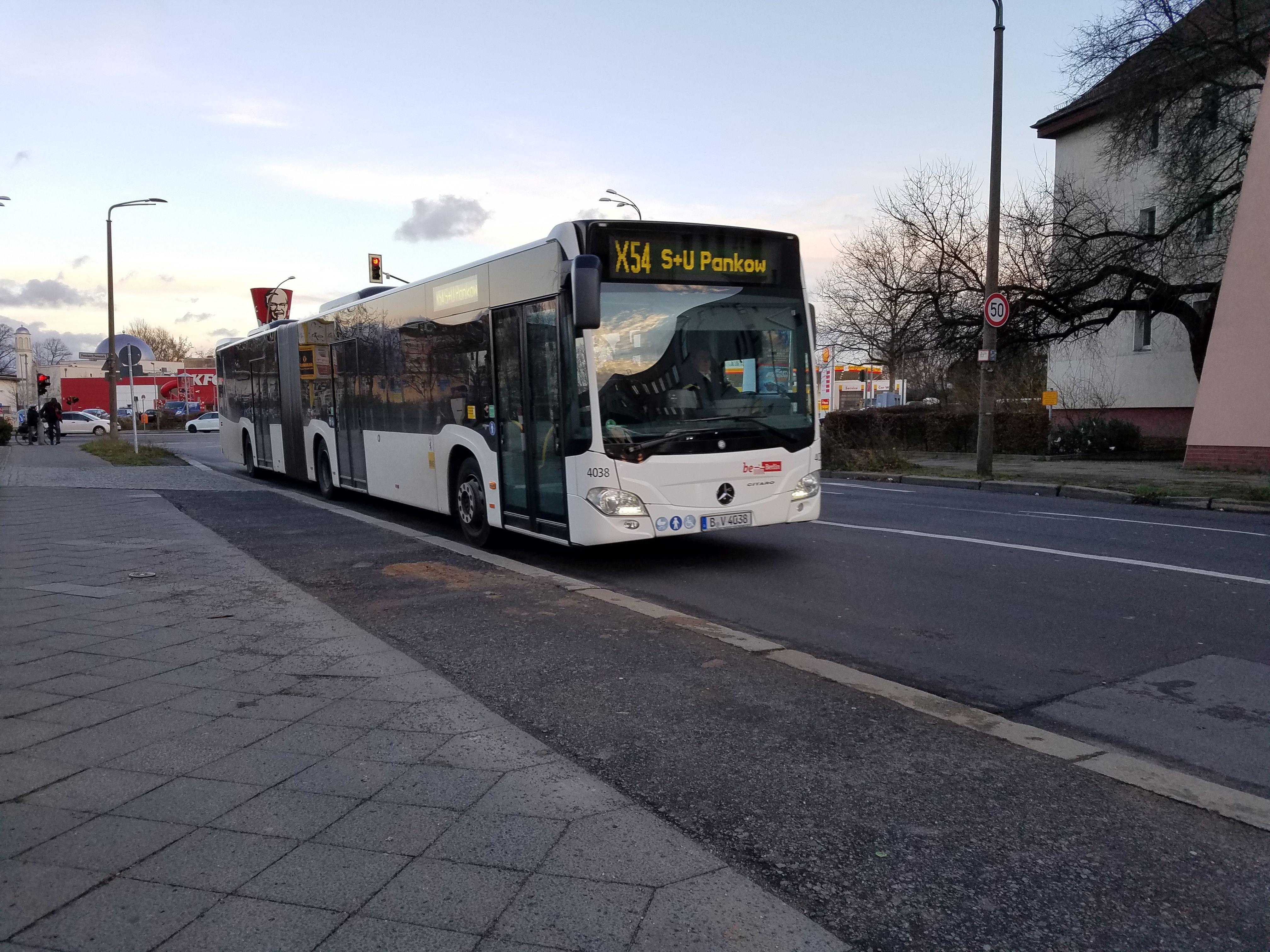 Foto: Bus 4038, Gelenkbus Typ Citaro GN C2 , Berlin-Pankow, Januar 2018