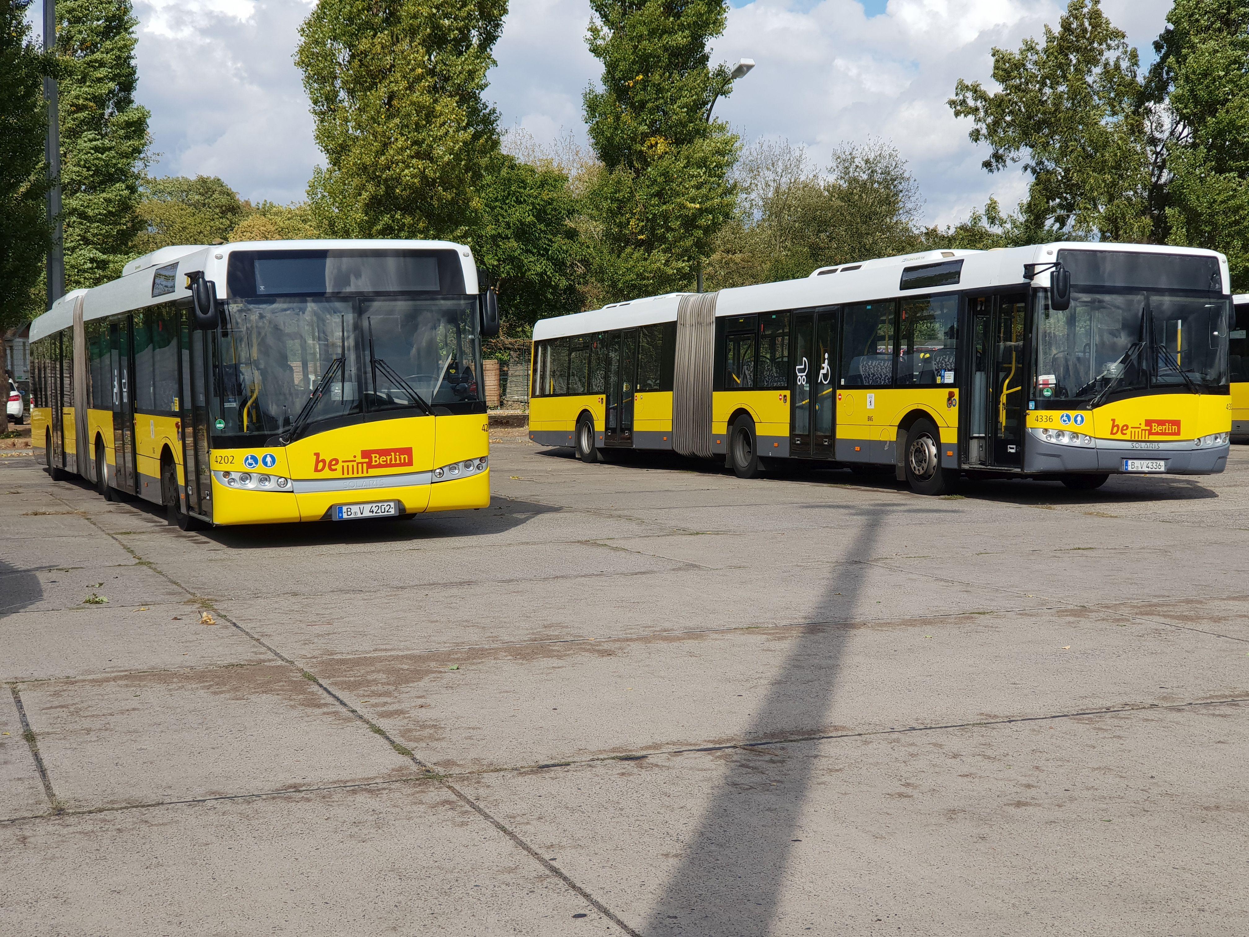 Foto: Bus 43362, Typ Solaris Urbino 18, Hof Siegfriedstr., September 2018