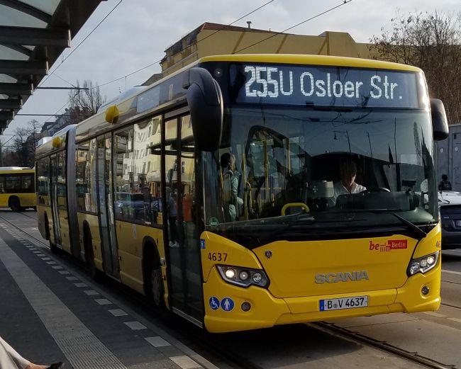 Foto: Bus 4637, Gelenkbus Typ Scania Citywide LFA, Berlin-Pankow, Mai 2017