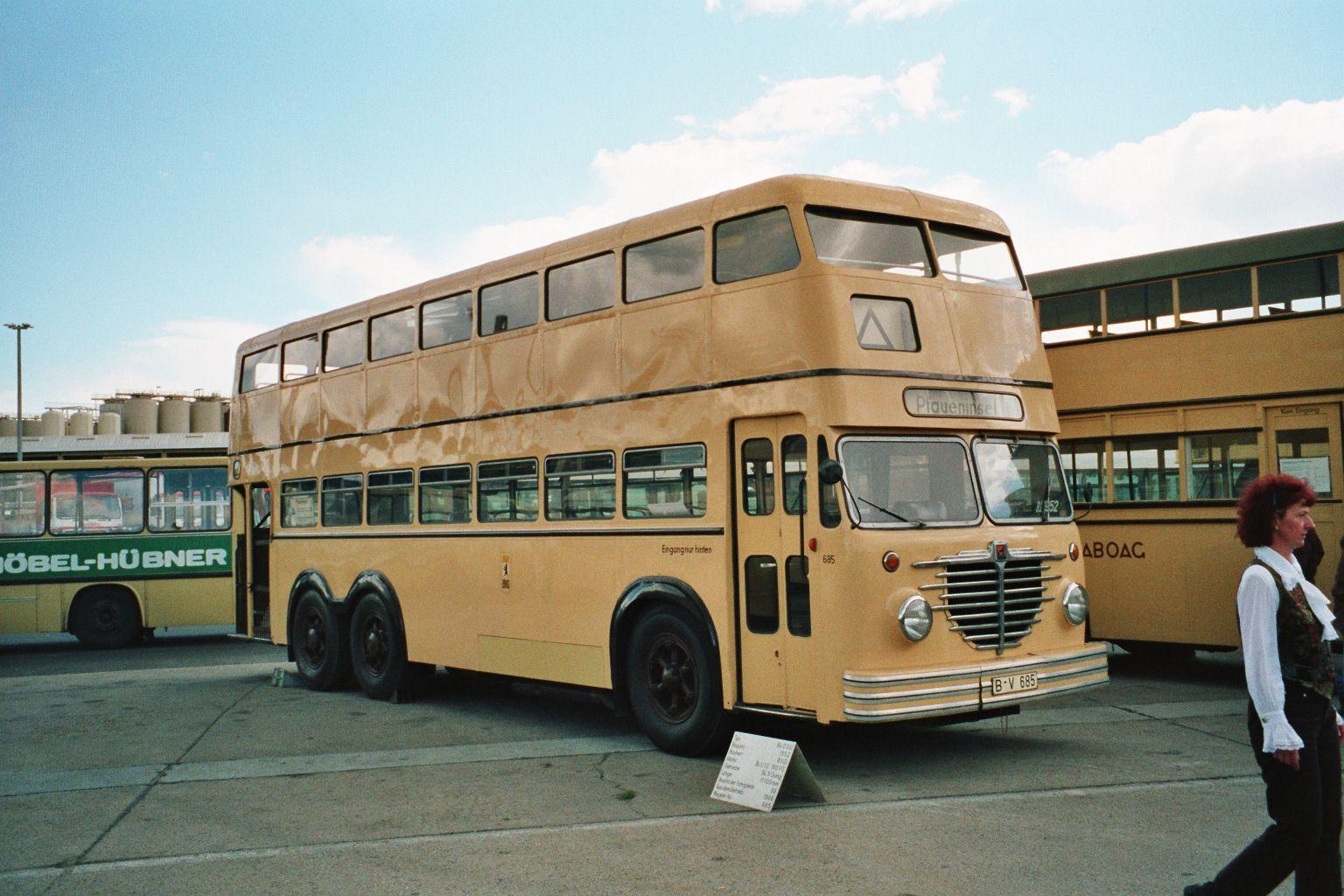 Bus 685