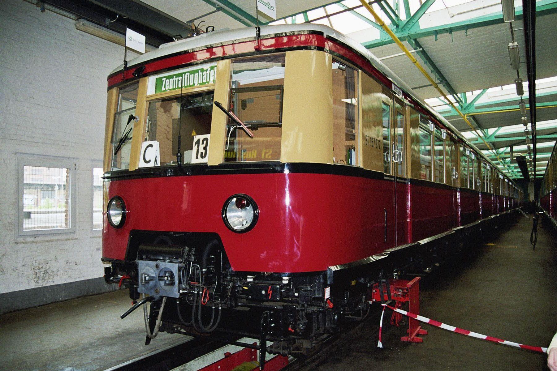 S-Bahn 167 072, Bauart 1938/1941, ex 277 087, Baureihe 167, Erkner, 2005