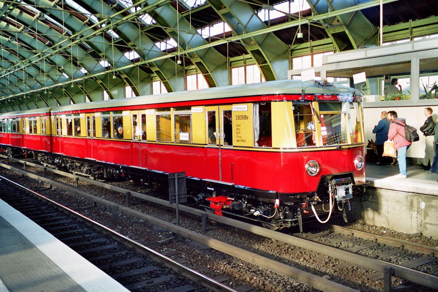 S-Bahn 3839, Bauart 1938/1941, Baureihe 167, Ostbahnhof, 2002