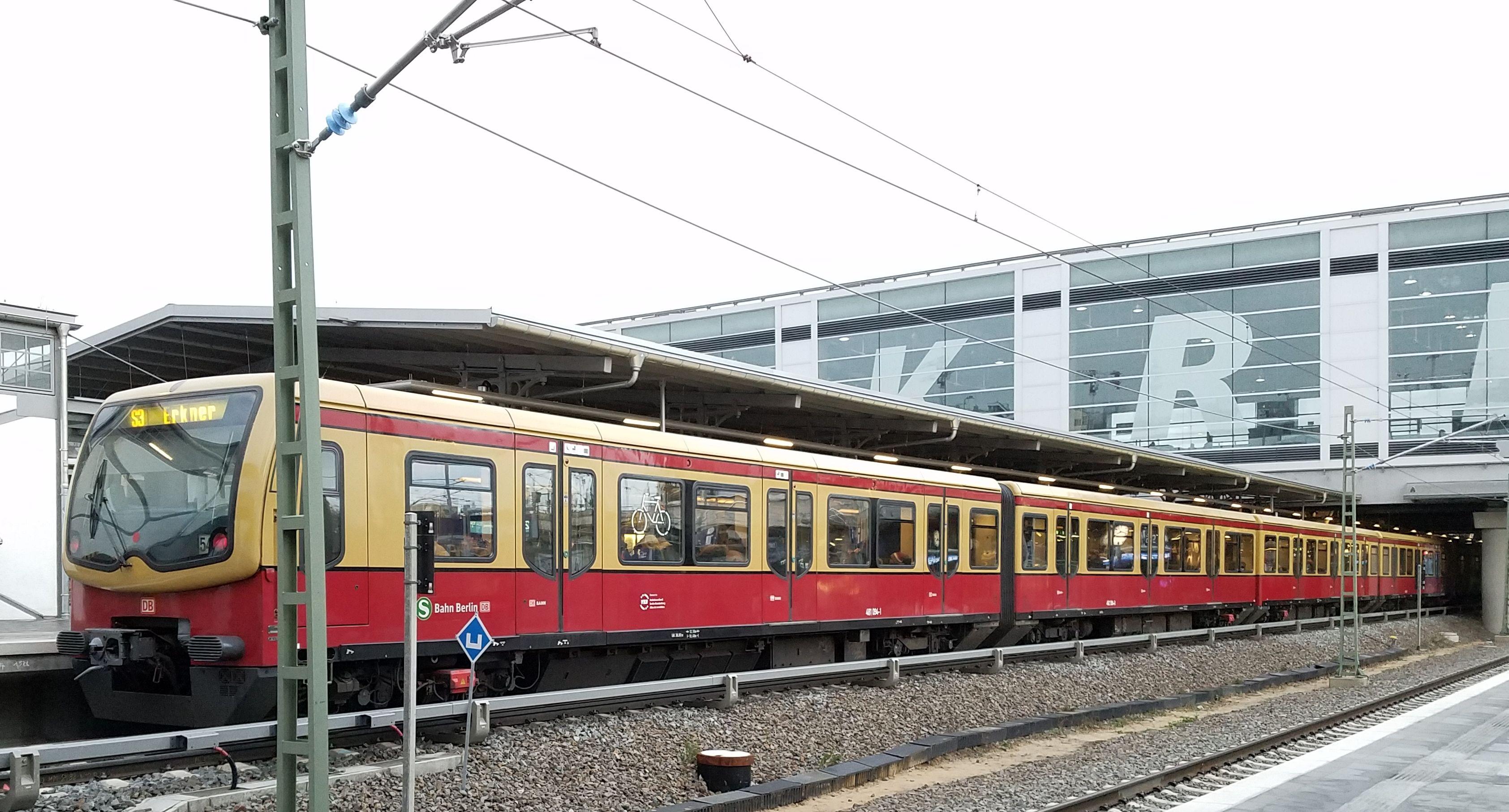 Foto:S-Bahn 481 094, Baureihe481/482, Ostkreuz, 2017