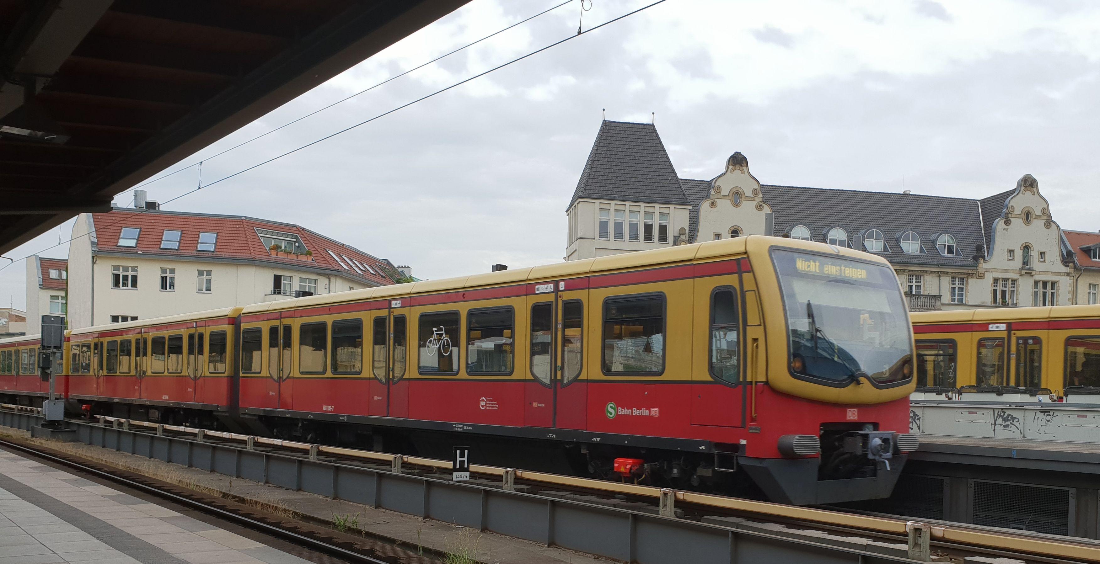 Foto:S-Bahn 481 109, Baureihe481/482, Friedrichstr., 2018