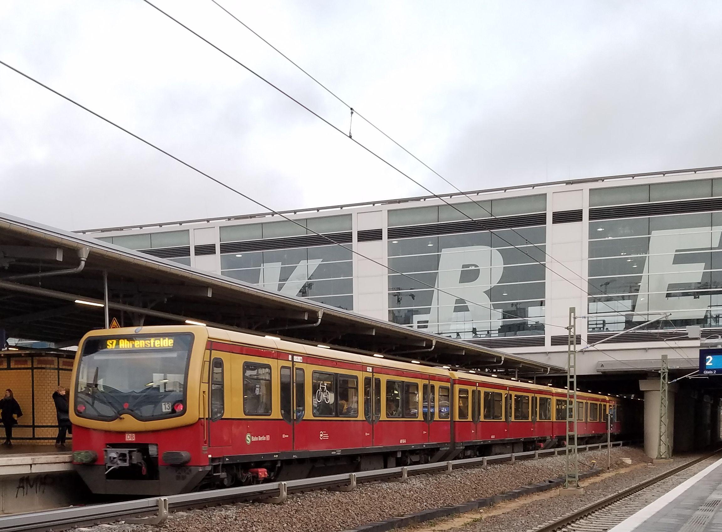 Foto:S-Bahn 481 143, Baureihe481/482, Ostkreuz, 2017