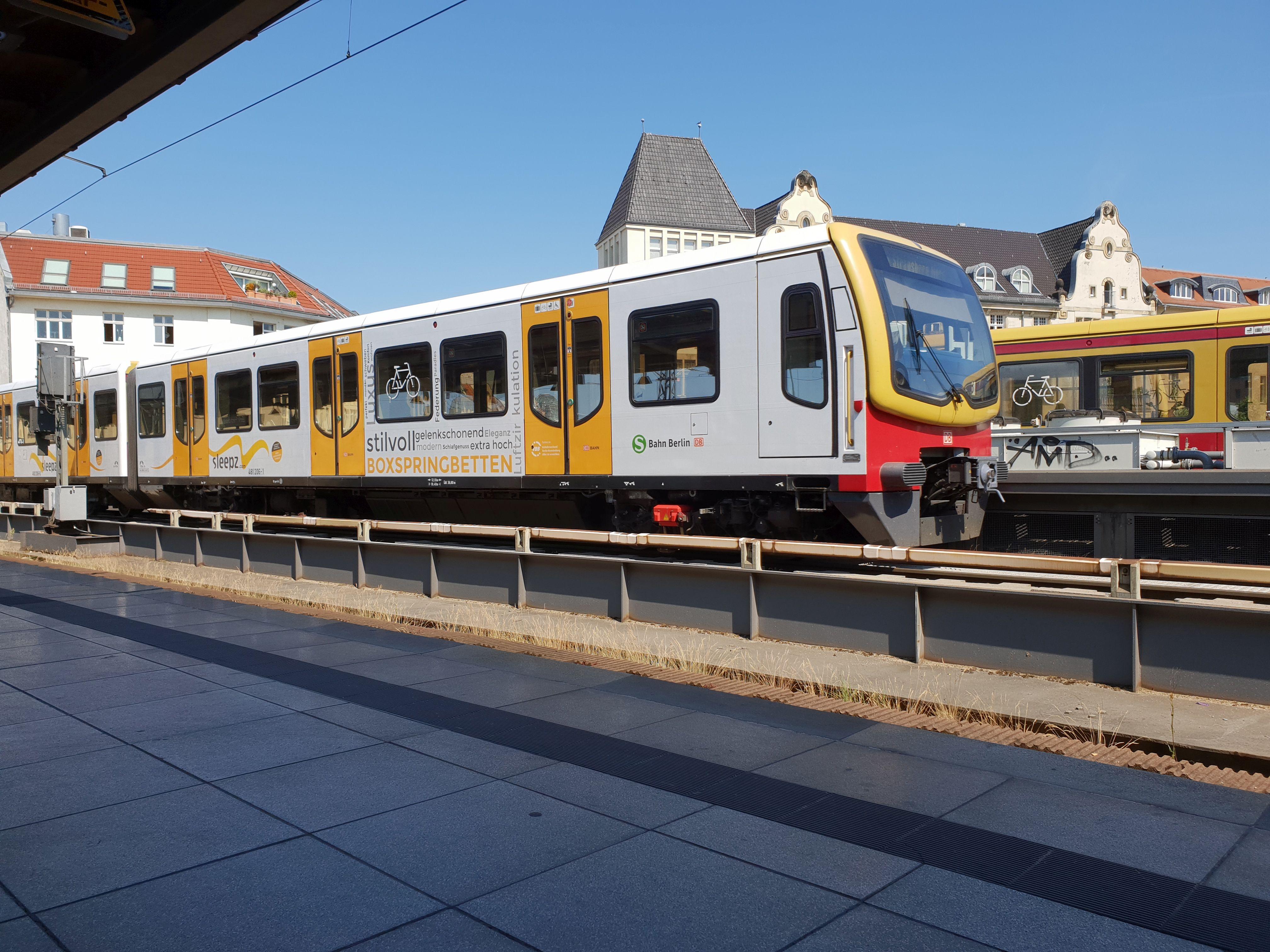 """Foto:S-Bahn 481 206, Baureihe481/482, """"Sleepz"""", Friedrichstr., 2018"""