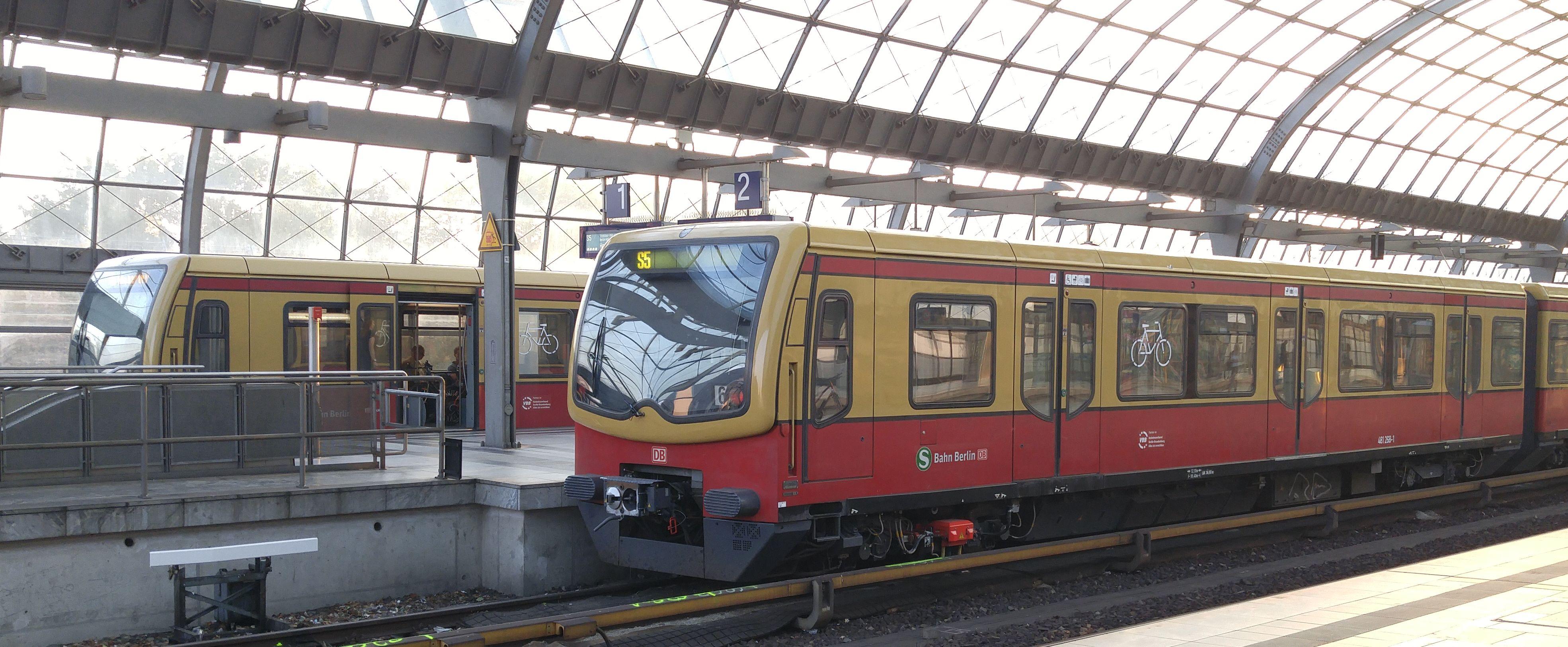Foto:S-Bahn 481 268, Baureihe481/482, Spandau, 2017