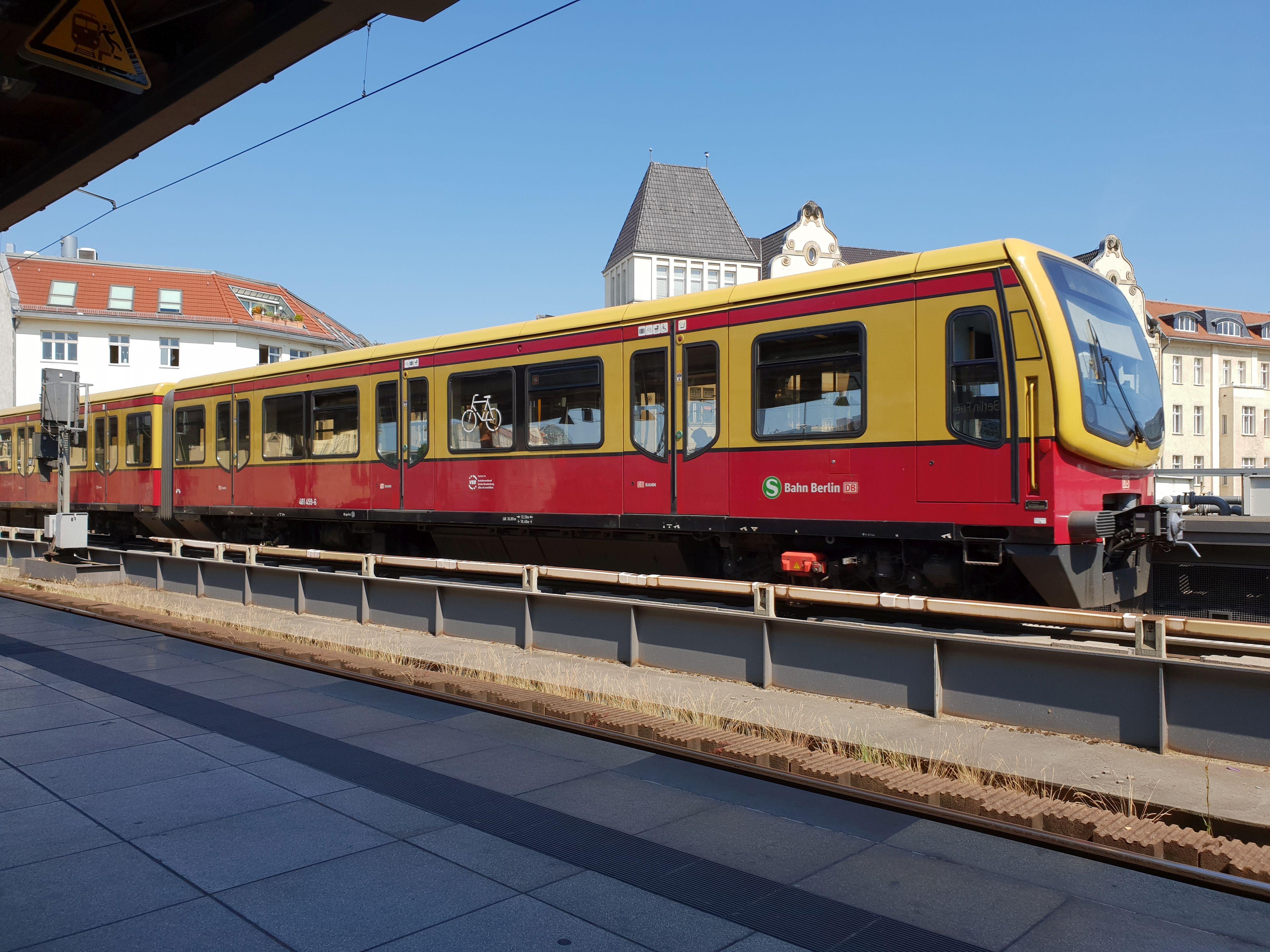 Foto:S-Bahn 481 459, Baureihe481/482, Friedrichstr., 2018