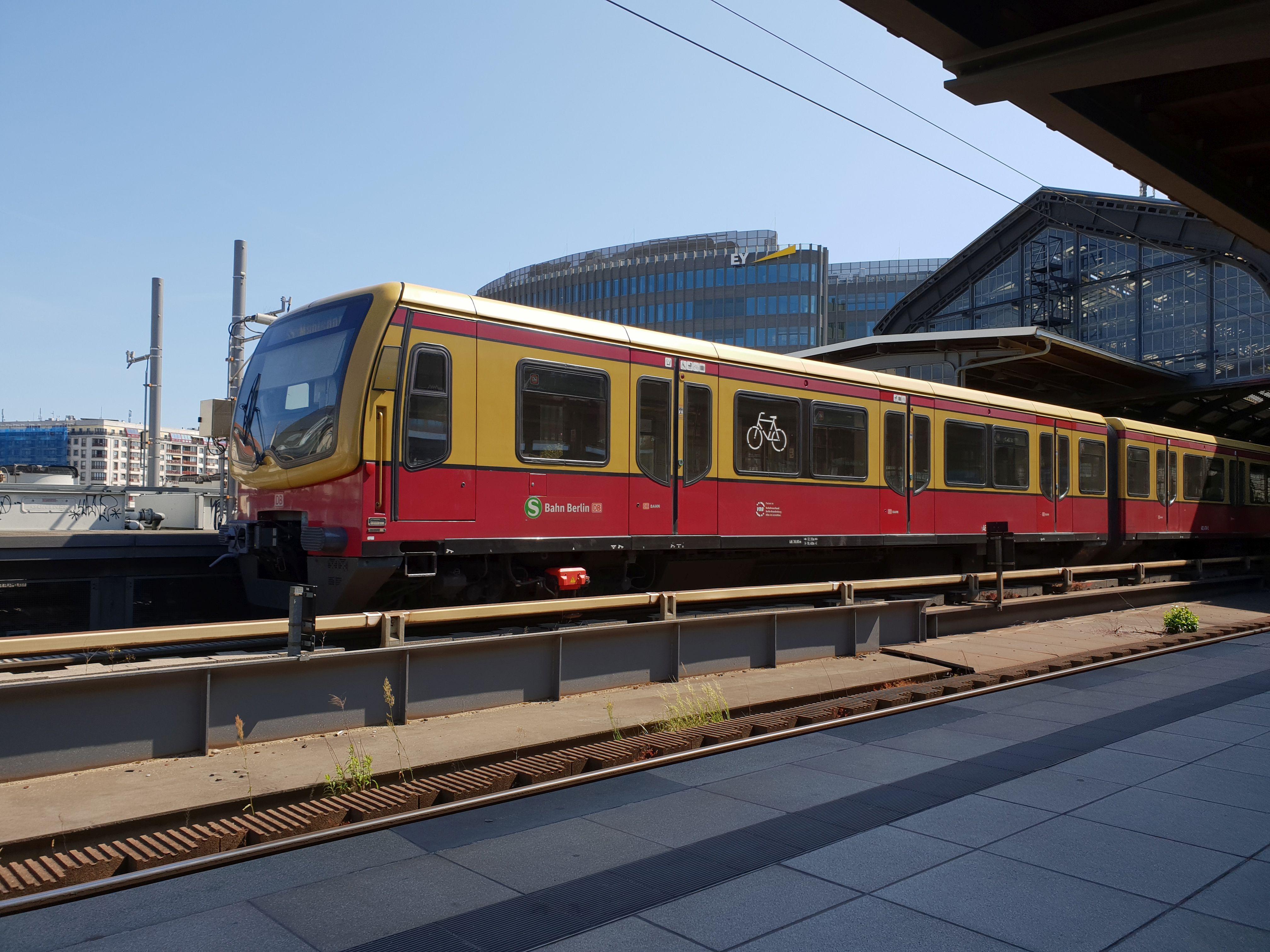 Foto:S-Bahn 481 478, Baureihe481/482, Friedrichstr., 2018
