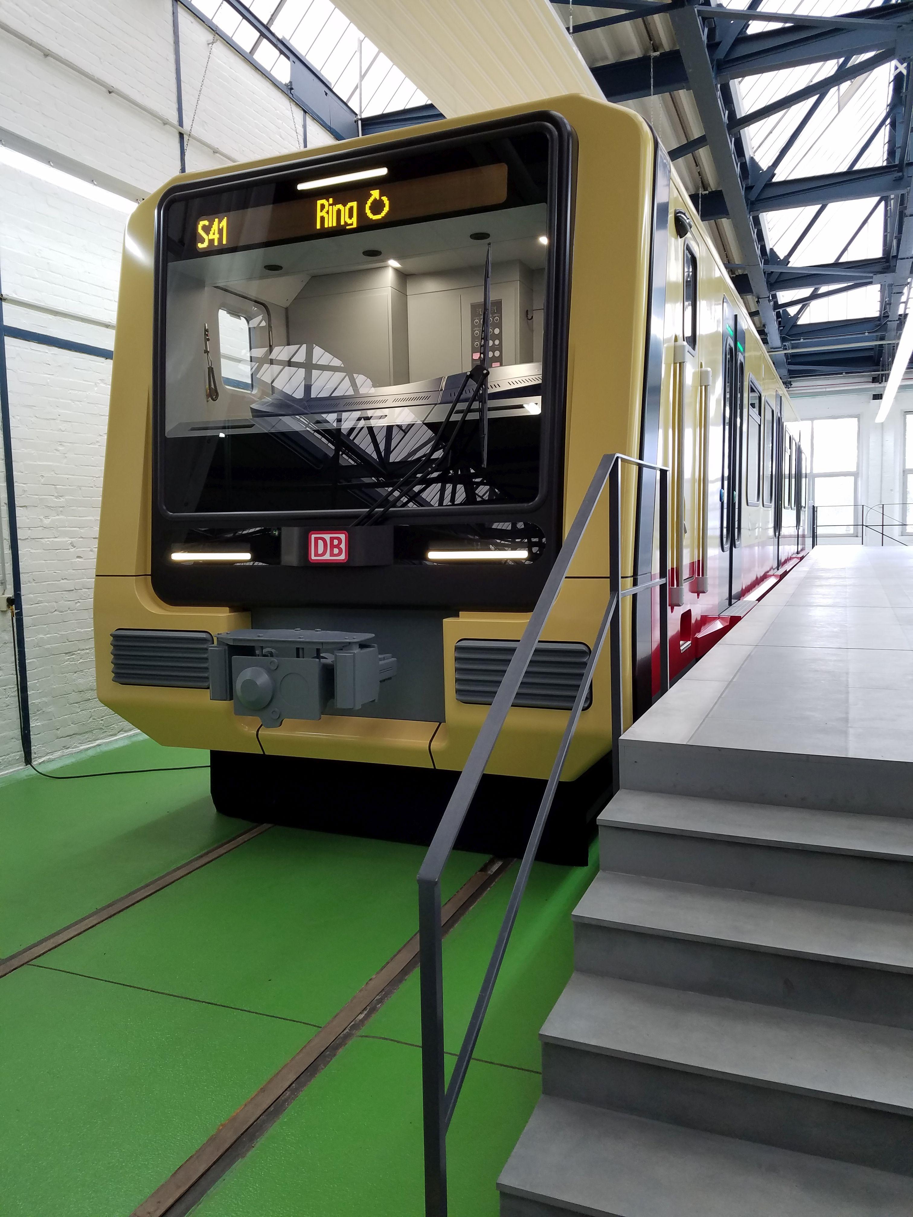 S-Bahn 483 Front