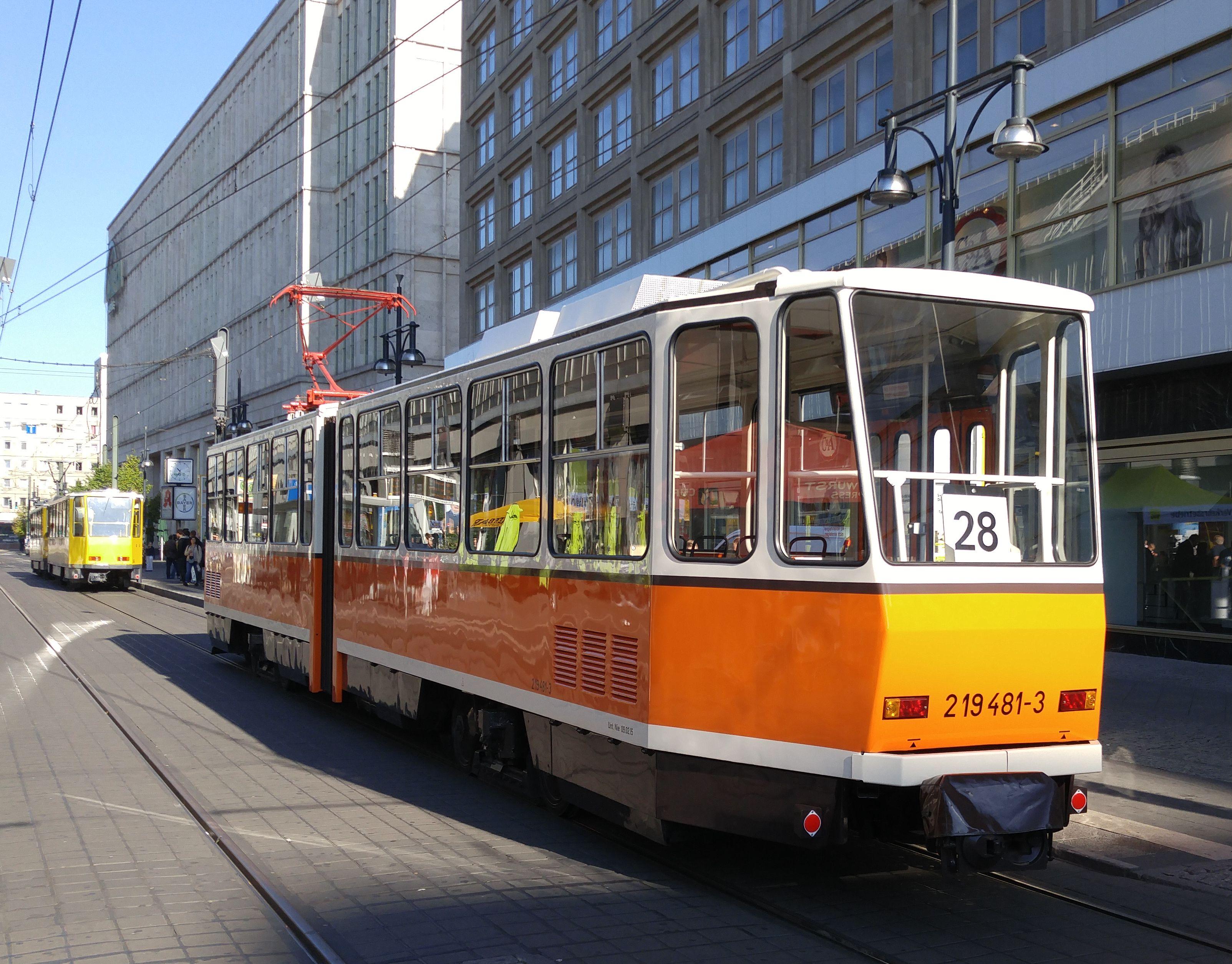 Foto: Straßenbahn 219 481, Typ Tatra KT4D, Alexanderplatz, 2016