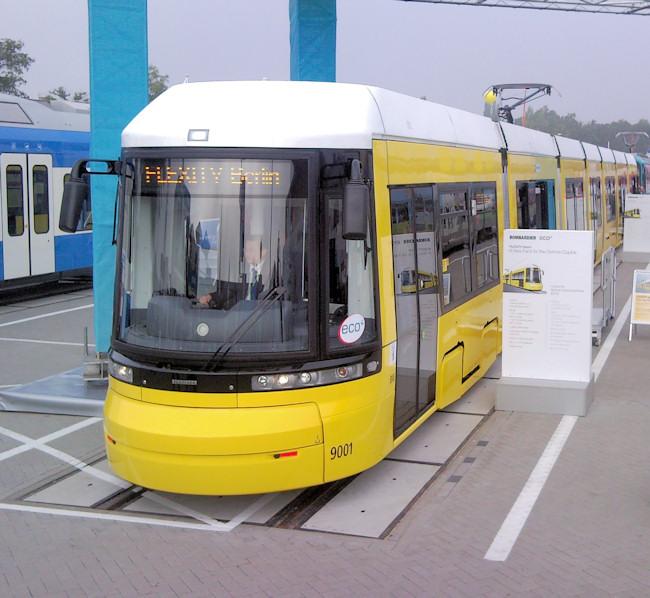 Foto: Straßenbahn 9001, Typ Flexity ZRL, Innotrans, 2008