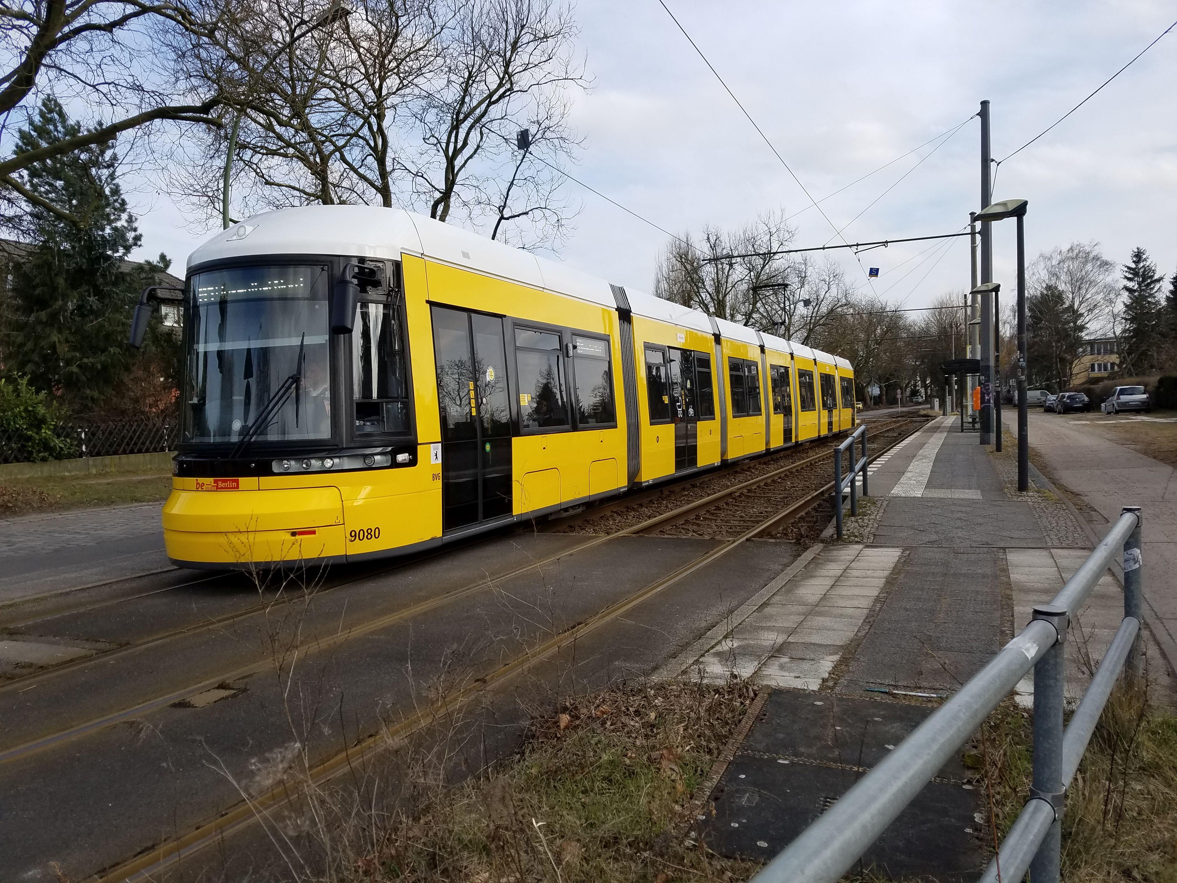 Foto: Straßenbahn 9080, Typ Flexity ZRL, Niederschönhausen, März2018