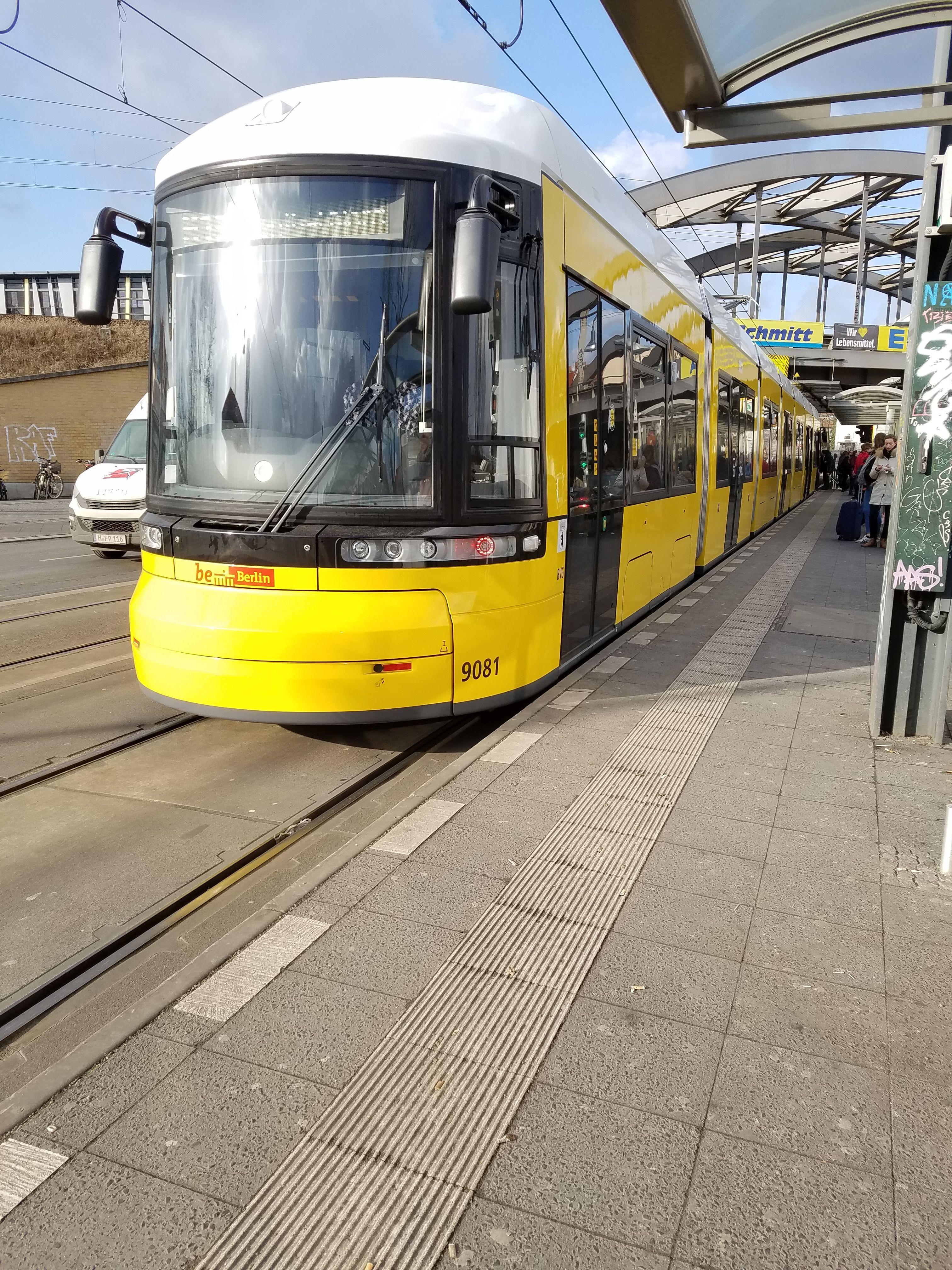 Foto: Straßenbahn 9081, Typ Flexity ZRL, Pankow, Februar2018