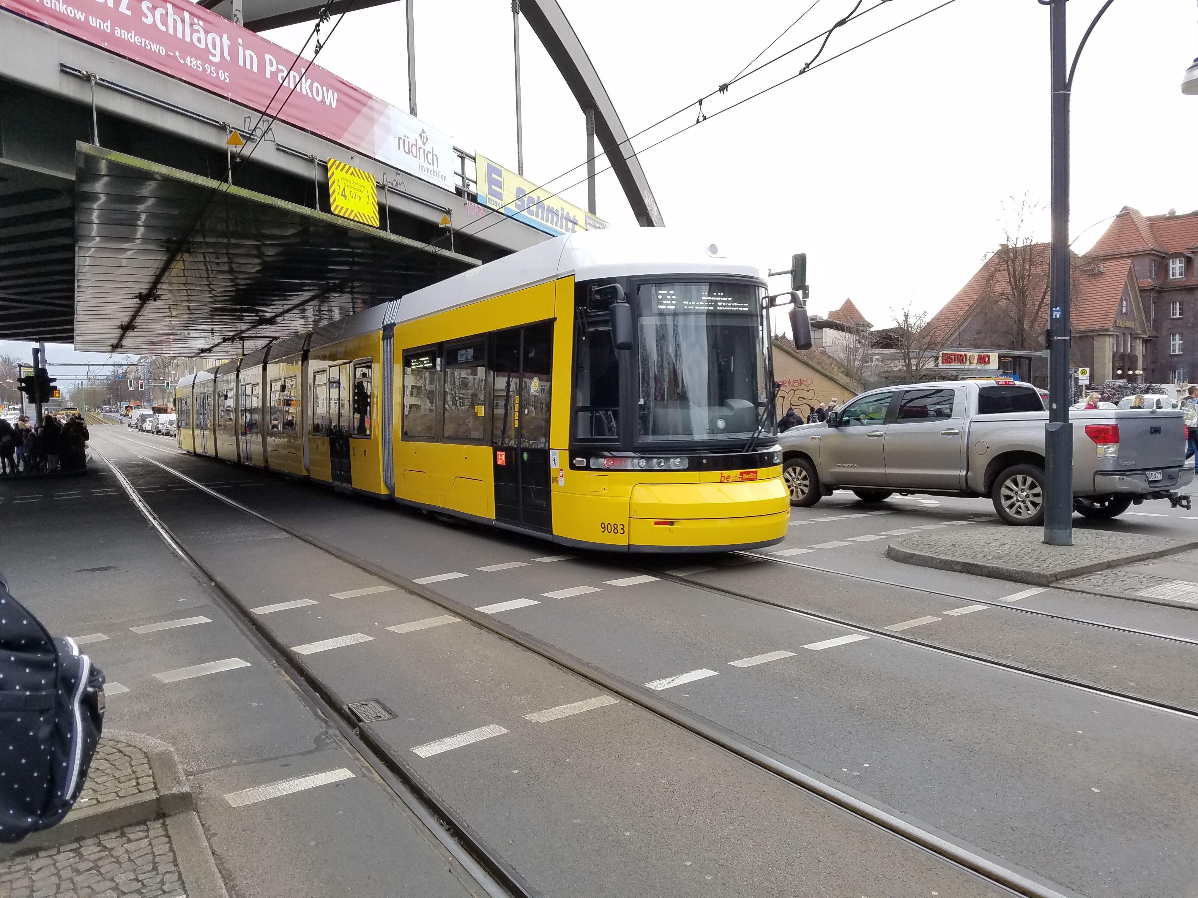 Foto: Straßenbahn 9083, Typ Flexity ZRL, Pankow, März 2018