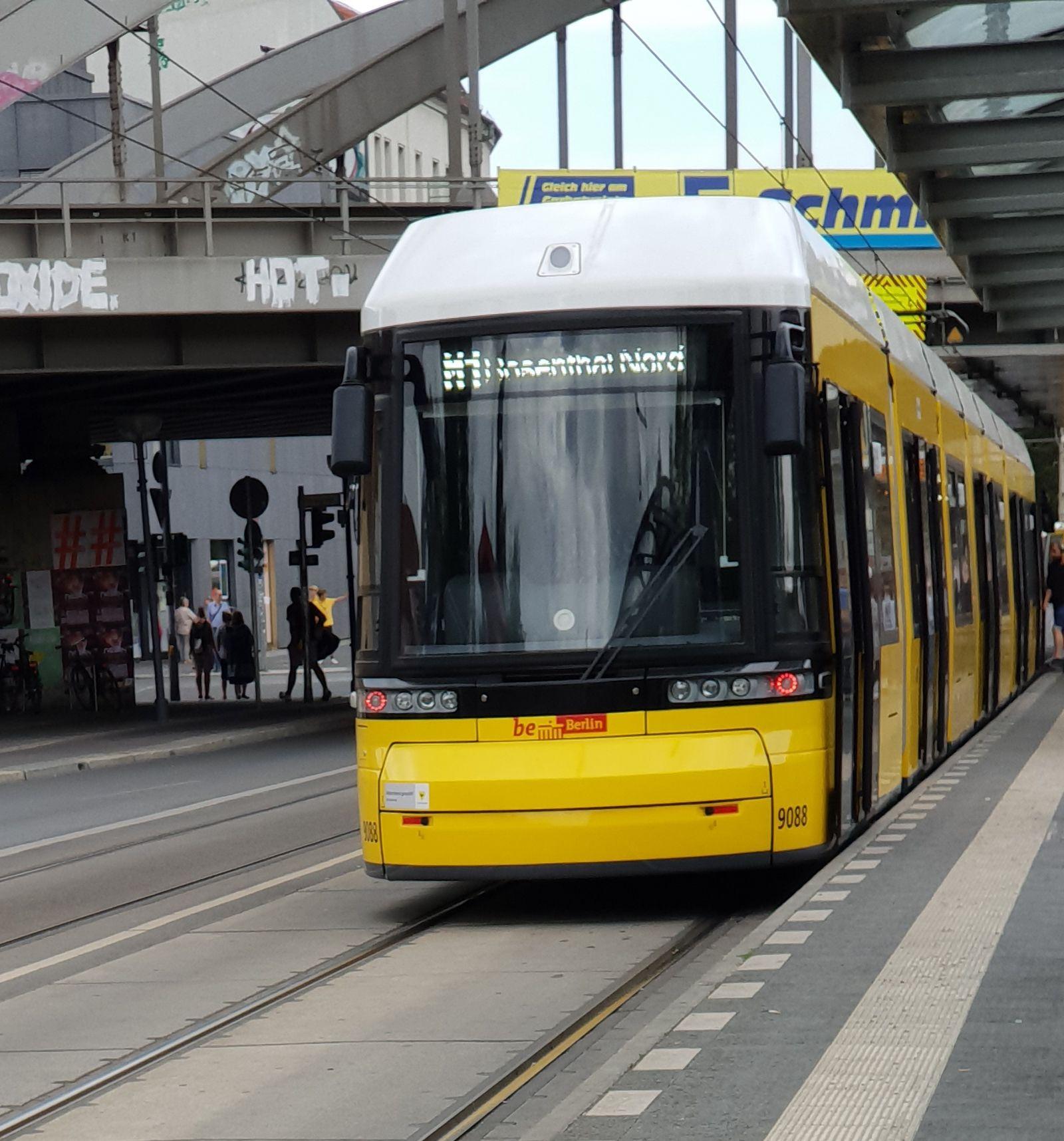 Foto: Straßenbahn 9088, Typ Flexity ZRL, Pankow, August 2018