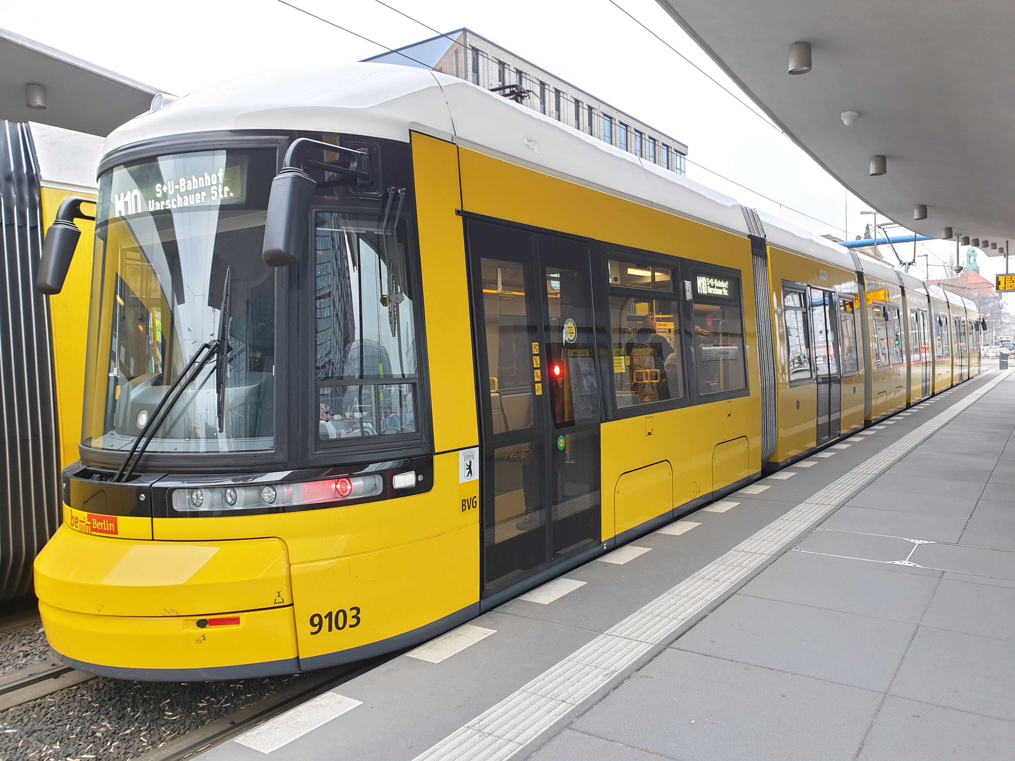 Foto: Straßenbahn 9103, Typ Flexity ZRL, Berlin Hbf, Januar 2019