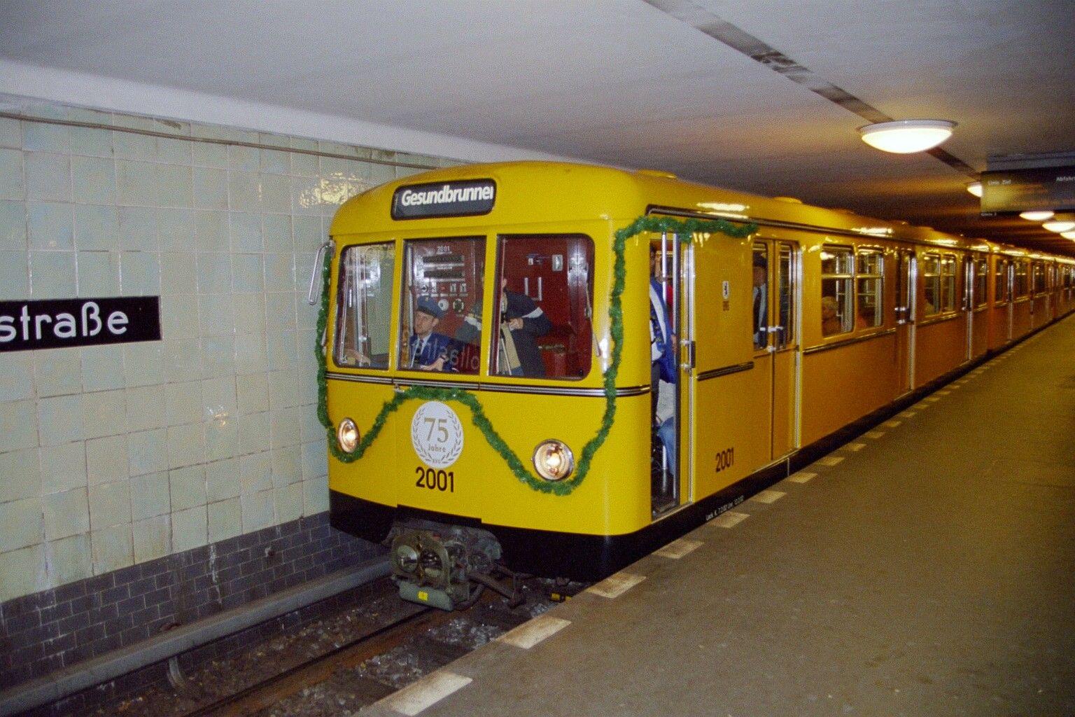 U-Bahn 2001